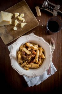 red-wine-porcini-bacon-sun-dried-tomatoes-pasta-1