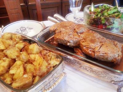 christmas-pork-with-roast-potatos-2
