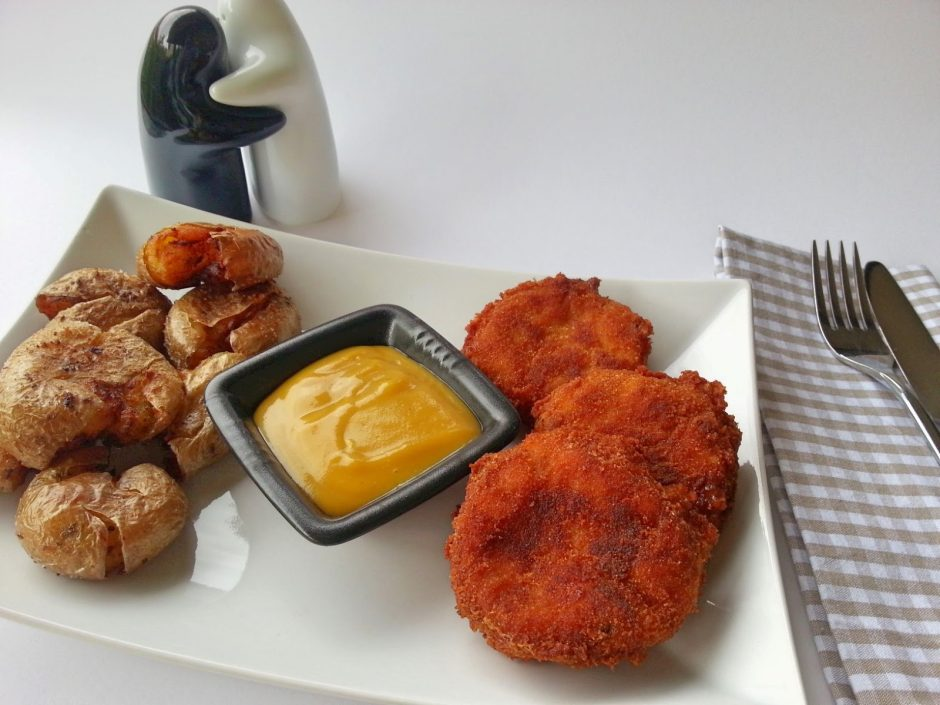 chicken-nuggets-potato-wedges-3