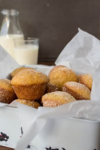 sugarandcinammonminimuffins1-1