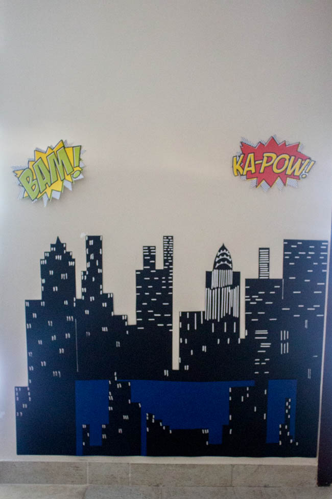 superheroes-party-deco-4-1-of-1