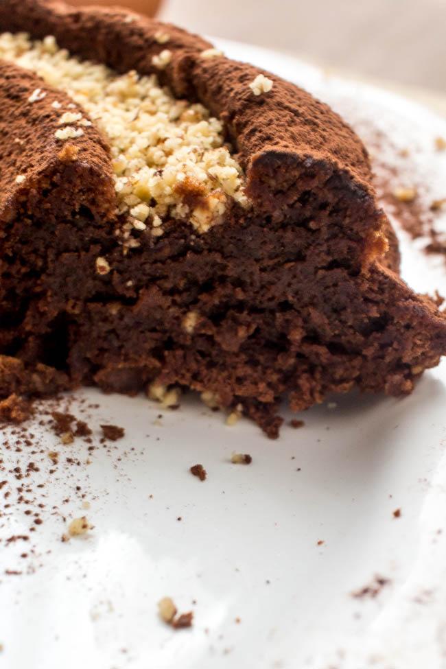 flourless-nutella-hazelnut-cake-6