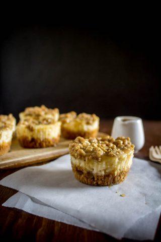 mini-apple-pie-cheesecakes-1