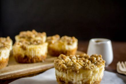 mini-apple-pie-cheesecakes-1