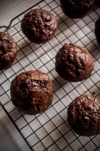 banana chocolate yoghurt muffins 1