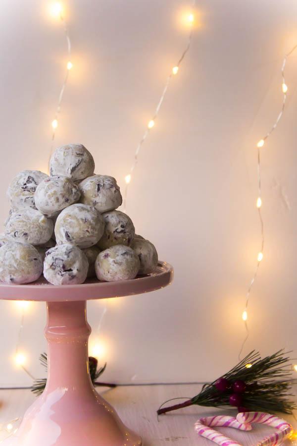 white chocolate cranberry pistachio truffles 3