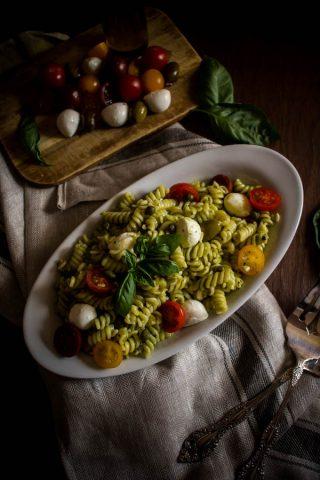 mediterranean pesto pasta salad 1