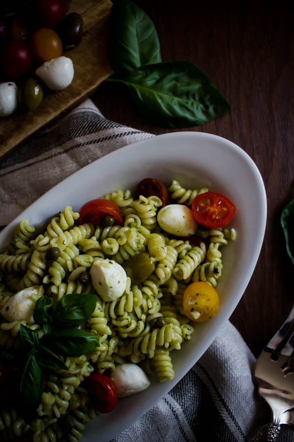 mediterranean pesto pasta salad 4
