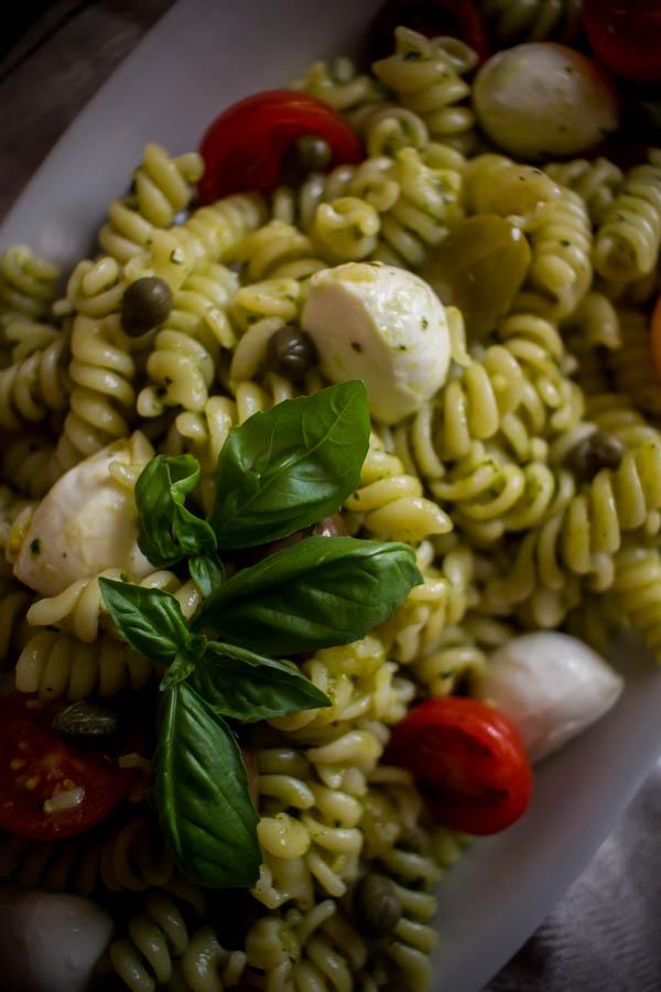 mediterranean pesto pasta salad 6