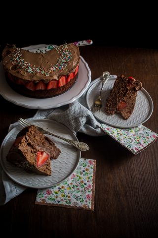 chocolate strawberry cake-3
