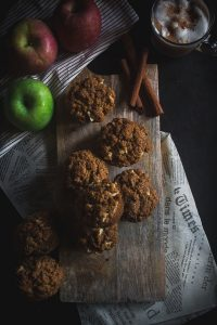 apple cinnamon oat muffins-4