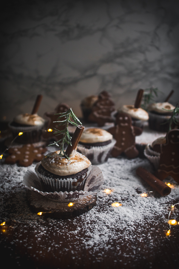 chocolate gingerbread cupcakes-1