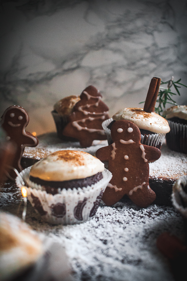 chocolate gingerbread cupcakes-3