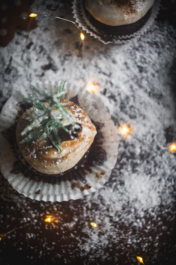 chocolate gingerbread cupcakes-8