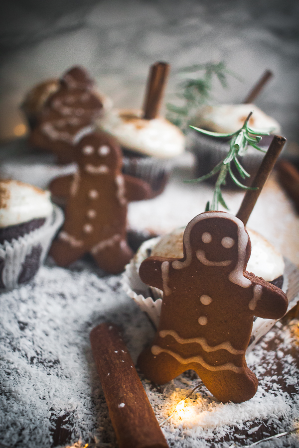 chocolate gingerbread cupcakes-9